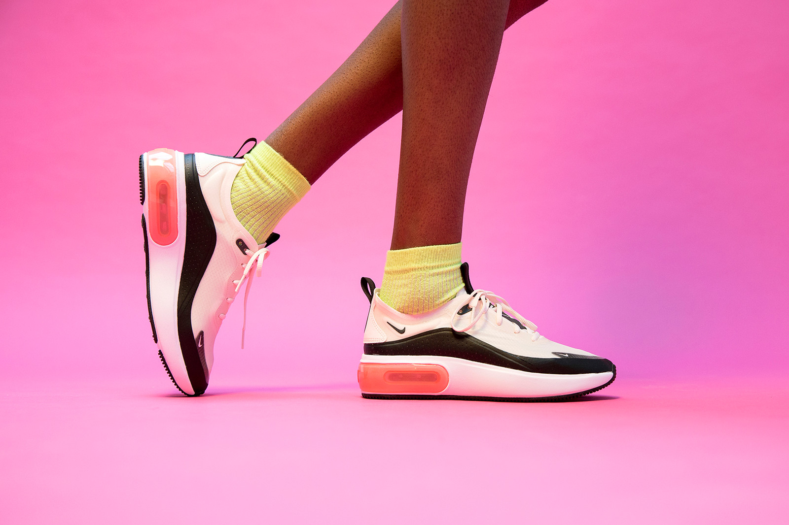 Nike Air Max Dia Interactive Styling Film Barabara Malewicz Paris Colorways