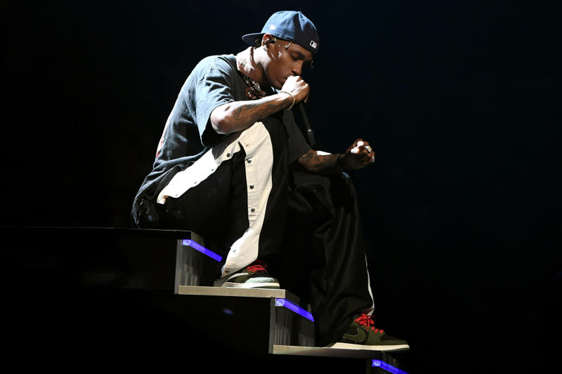 Travis Scott Debuts Air Jordan 1 Low at GRAMMYs cactus jack award ceremony performance jordan brand