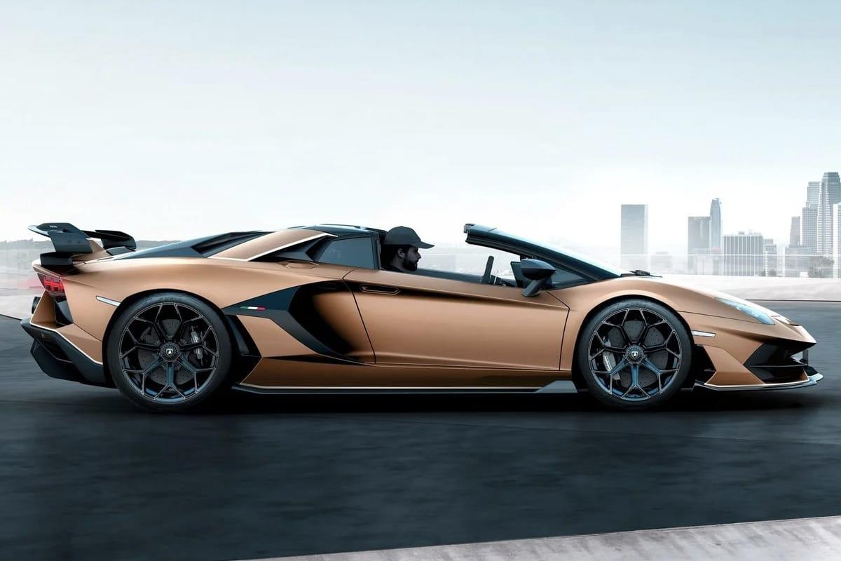 Lamborghini Aventador SVJ Roadster Car Details