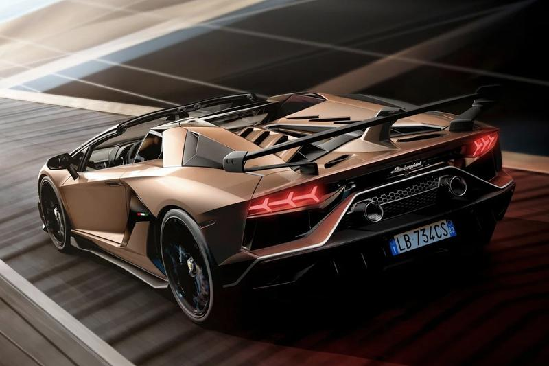 Lamborghini Aventador SVJ Roadster Car Details Info Information Italian Hypercar 2019 Geneva Motor Show 800 Units Limited Edition 556kW 720 Nm V12 Engine 100 kph 2.9 seconds 0-200 8.8 Automotive Cars Parts