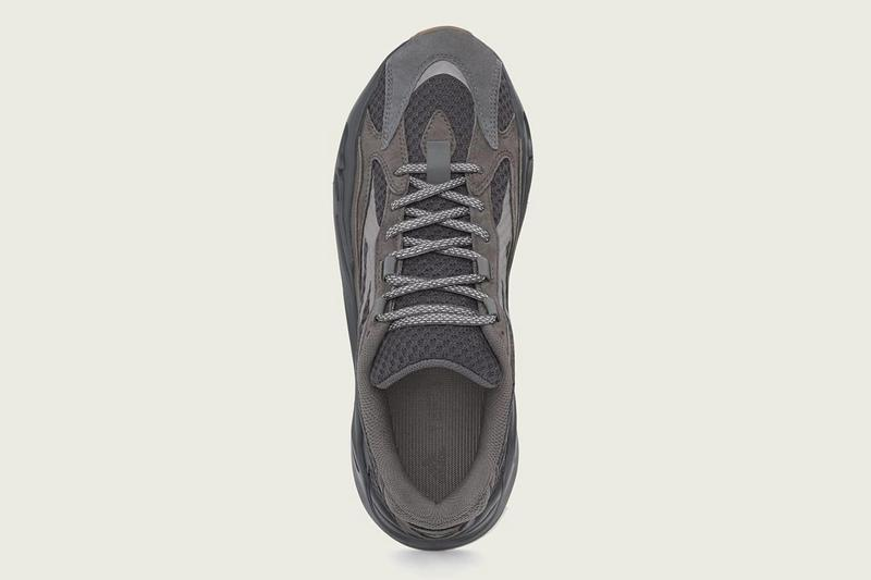 newest 57ee8 406d1 adidas YEEZY BOOST 700 V2