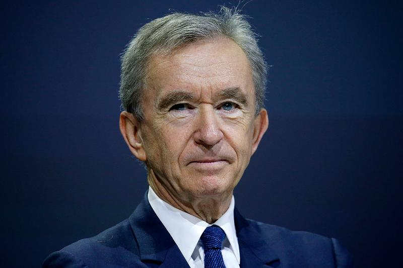 Bernard Arnault Warren Buffett LVMH Net Worth Companies LVMH Moët Hennessy Louis Vuitton $83.1 Billion USD Berkshire Hathaway $83 Bloomberg Bill Gates