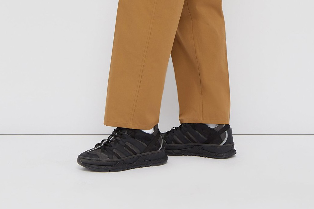 Burberry RS5 Sneaker Gets All Black