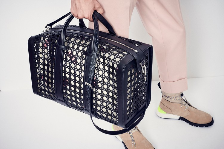 70b2b651a495f Dior Revives Archive Cannage Print With Weekend   Shopper Bags for SS19