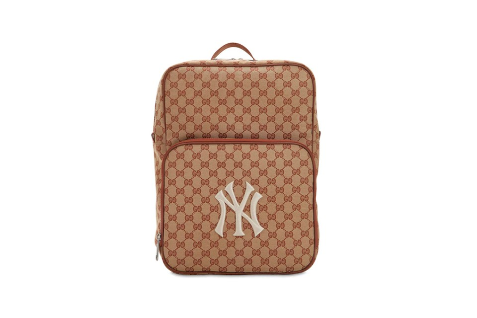 a6b6e6eea08 Gucci GG Supreme New York Yankees Logo Backpack