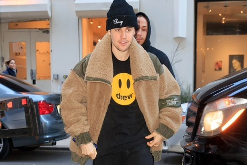 """Justin Bieber Questioned by Police for His Nike Off-White™ """"Security Tag"""""""