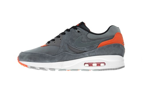 size? x Nike Air Max Light