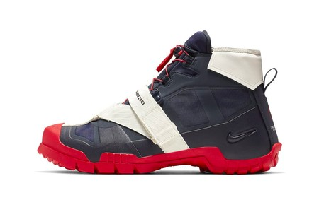 "The UNDERCOVER x Nike SFB Mountain Surfaces in ""Dark Obsidian/University Red"""