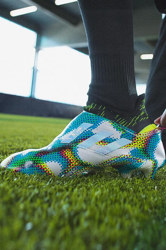 fatiga Tesauro Adelante  adidas Football Launches Glitch Virtuoso Pack | HYPEBEAST