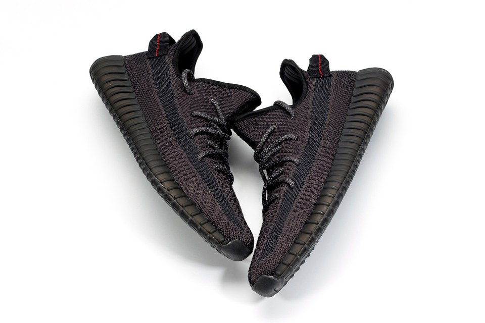 c9863fd24c707 adidas YEEZY Boost 350 V2 All Black Release Date