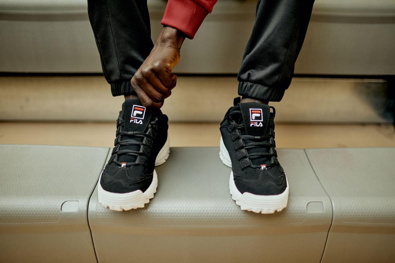 gambar 1 - penampakan sepatu baru FILA Disrtuptor 3