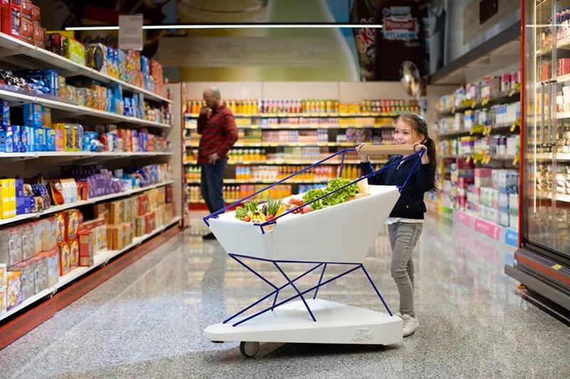 Ford Techs Out Supermarket Trolleys With a Self Braking System automated sensors brake shopping cart smart technology cars automotive automation