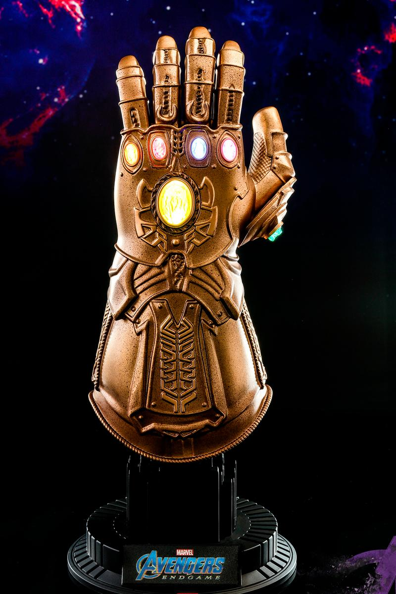 Hot Toys Avengers: Endgame Infinity Gauntlet Collectible thanos marvel cinematic universe