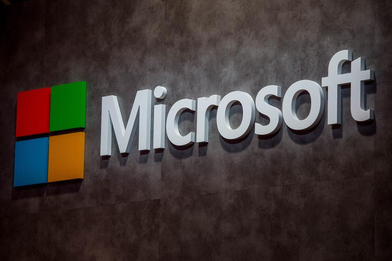 Microsoft Is Third Company to Hit $1 Trillion Value bill gates apple amazon tech company titan stock value nasdaq $130 per share Valuation