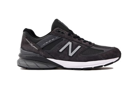 UNITED ARROWS Takes on the New Balance 990v5