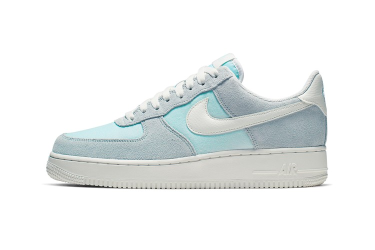 outlet store 29216 eb1e1 The Nike Air Force 1 Low Receives an
