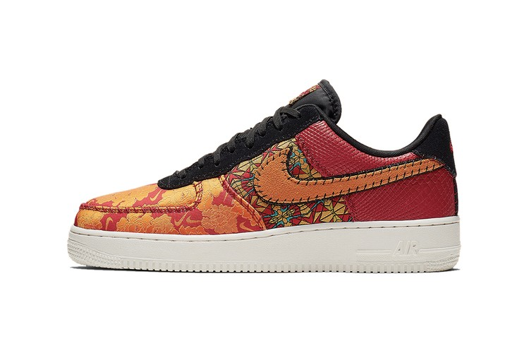 online retailer 952c0 19734 Nike Wraps Air Force 1 in Premium Textures   Patterns