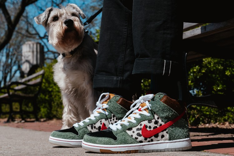 brand new 554a1 38997 Take a Closer Look at the Nike SB Dunk High
