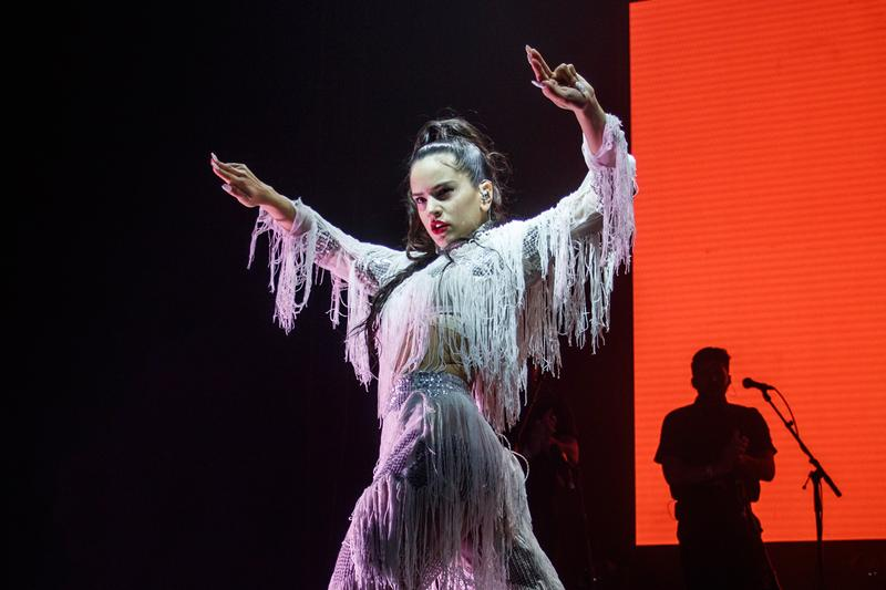 "Rosalía Debuts New Single ""Como Ali"" In Argentina single video dancing dancers lollaplooza argentina festival"
