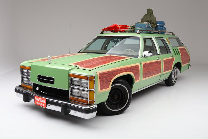Wagon Queen Family Truckster Replica Sold $100,000 USD national lampoon's vacation barrett-jackson palm beach auction Chevy Chase Beverly D'Angelo Ford