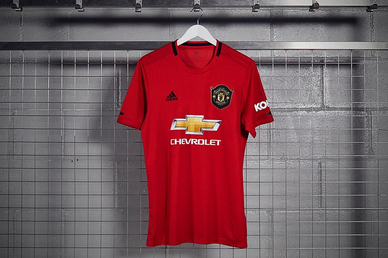 official photos f6753 30875 adidas Manchester United 2019/20 Home Kit First Look | HYPEBEAST