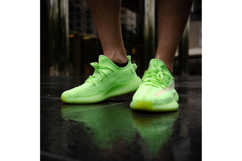 adidas YEEZY BOOST 350 V2 Glow in the Dark On Foot Look Neon Green Yellow Kanye West