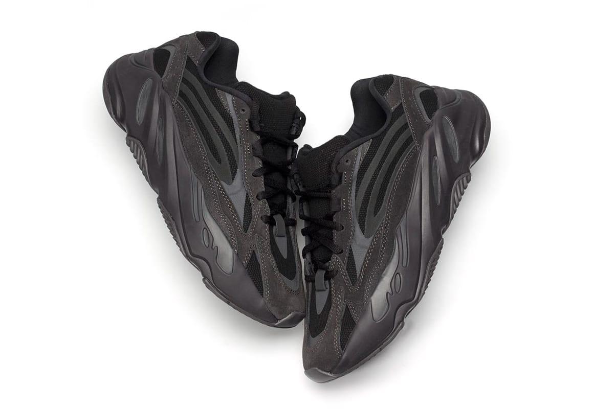 black yeezy 700 vanta