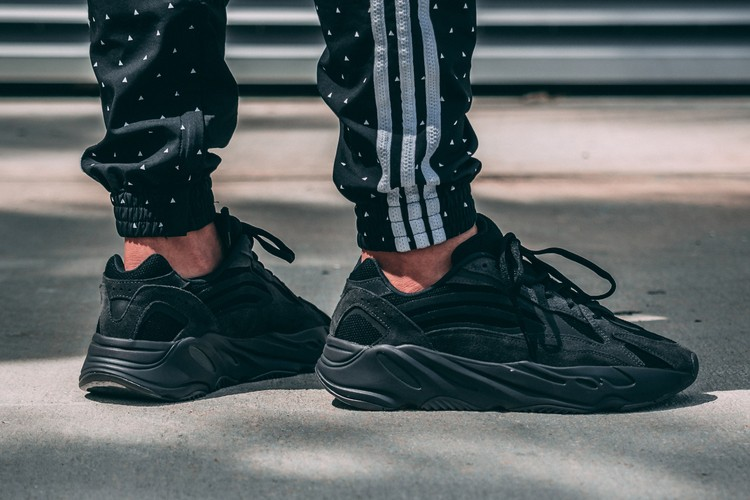 best loved c9f68 5b52e adidas YEEZY BOOST 700