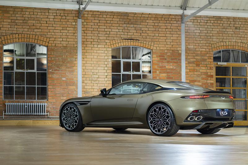 Aston Martin DBS Superleggera James Bond 007 'On Her Majesty's Secret Service' George Lazenby Olive Green 1969 Homage Drinks Case Limited Edition