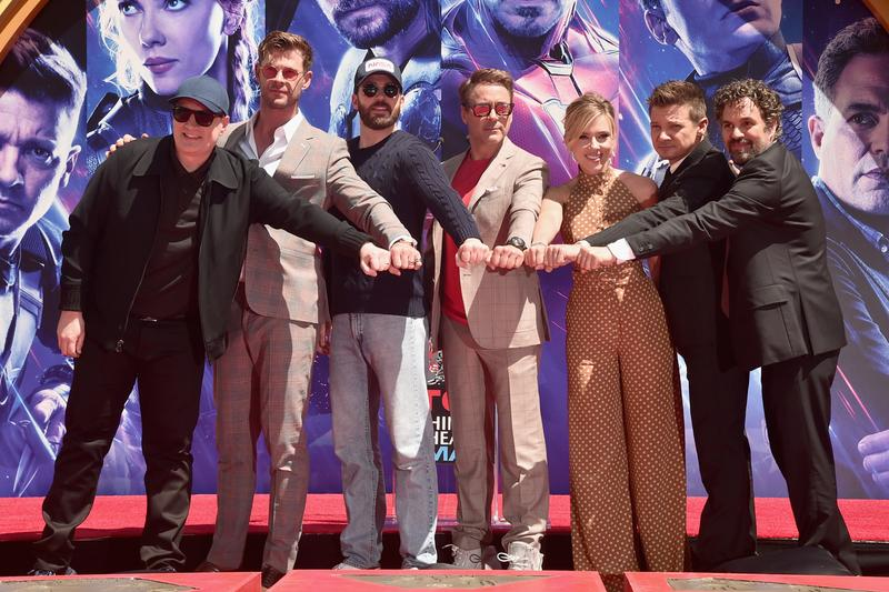 Avengers Endgame 2 Billion USD Box Office Record Break Marvel Studios Avatar