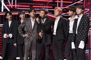 """Picture of Watch BTS Perform """"Make It Right"""" On 'Stephen Colbert' Show"""