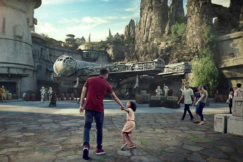 Star War's: Galaxy's Edge Reservations Sellout Disneyland two hours May 31 to June 23 sold out parks attraction theme parks rollercoaster walt disney