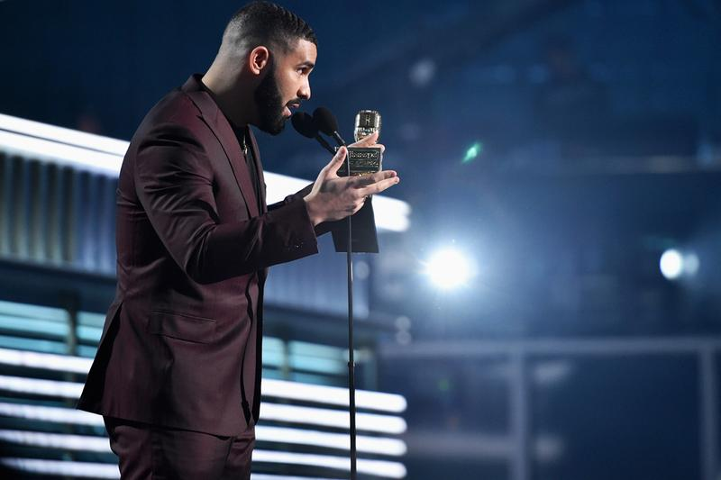 Drake Shouts out Arya Stark During Billboard Awards Speech game of thrones Maisie Williams scorpion drake curse drizzy canada