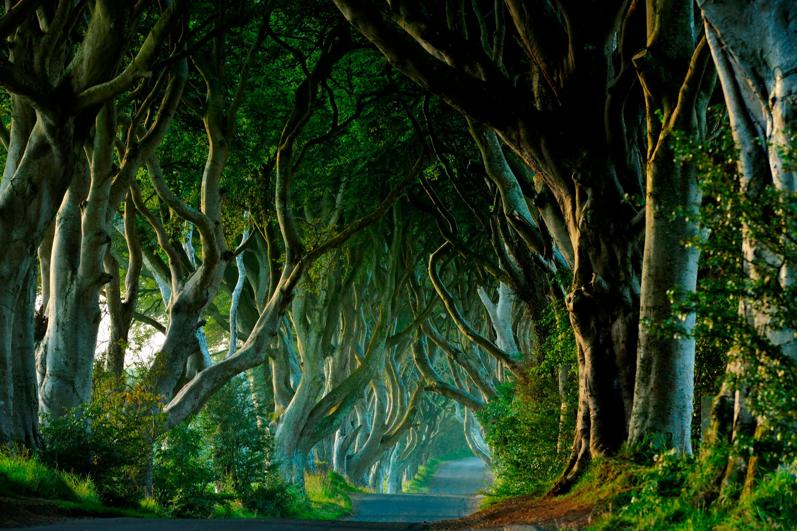 Five 'Game of Thrones' Locations to Visit If You Can't Let Go hbo jon snow rob stark bran stark uk England Scotland Northern Ireland united kingdom daenerys targaryen tyrion lannister missandei
