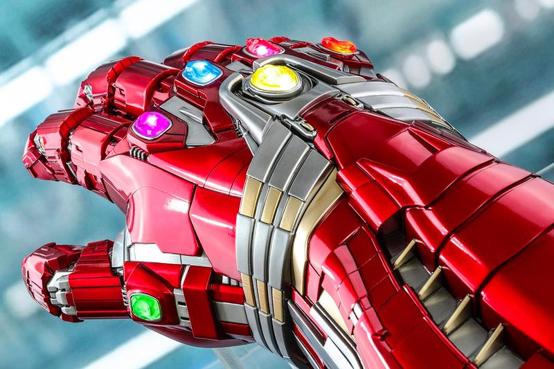 Hot Toys 1:1 Life Sized Hulk Nano Gauntlet Info avengers endgame superhero collectible marvel cinematic universe studios replica toy Disney iron man tony stark mark ruffalo