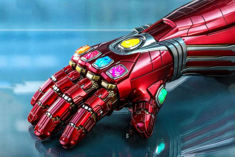 Hot Toys Life Sized Iron Man Nano Gauntlet Info full scale marvel cinematic universe disney collectibles figures display led light infinity stones thanos tony stark robert downey jr