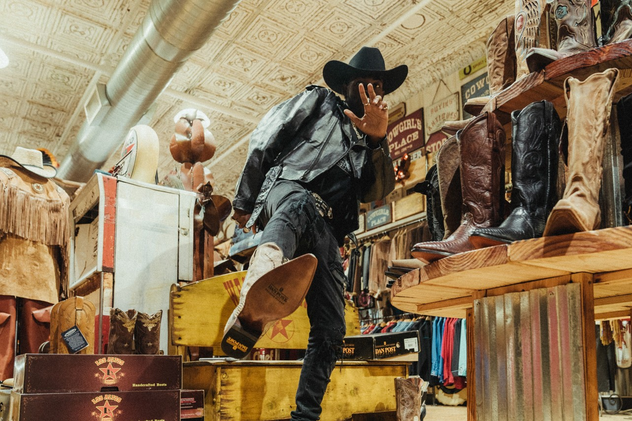 lil nas x goes shopping for the perfect cowboy outfit western spirit new york city nyc ny store 2019 may interview hypebeast video youtube shops old town road