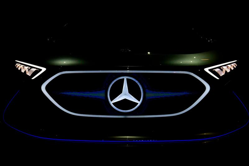 Mercedes-Benz Carbon Neutral Plan 2039 Emissions CO2 Passenger Car Division electric plug-in hybrid powertrains 2030 Hydrogen Powered