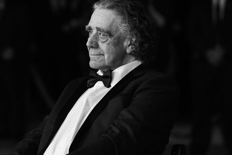 Chewbacca Star Peter Mayhew Has Passed Away obituary death deceased star wars films jedi rebel knights bowcaster wookiee Rebel Alliance han solo millennium falcon cast crew