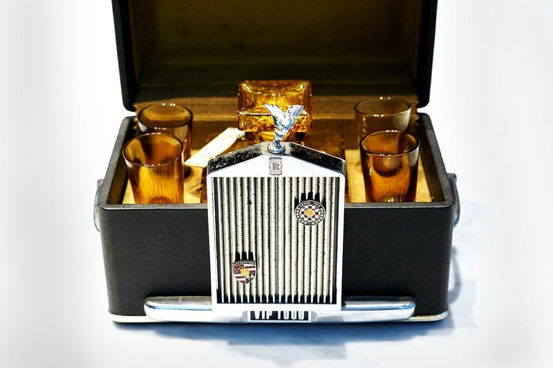 Rolls-Royce 1960 VIP 1000 Decanter Set Retrospect Gin British Motors Luxury Phantom Wraith Ghost Vintage Antique Drinks Alcohol Gin