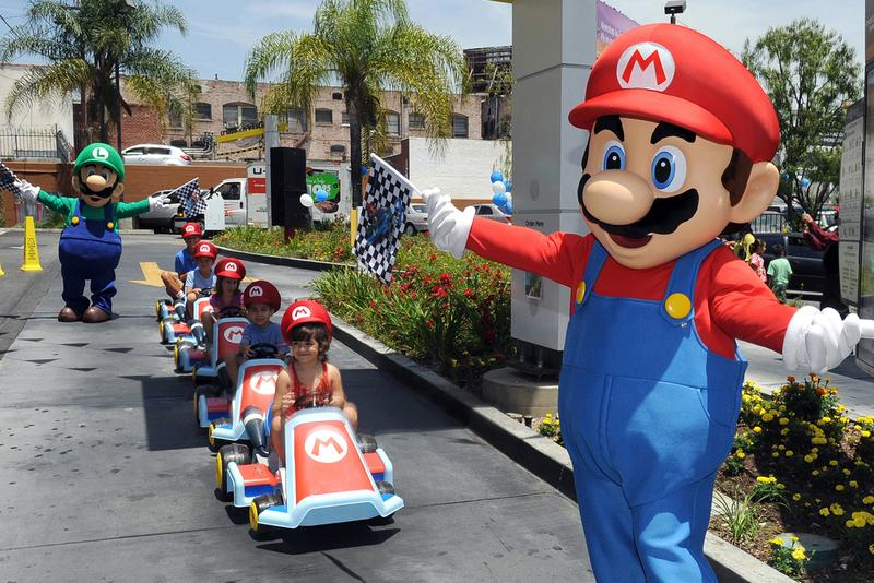 Mario Kart' Video Game Hall of Fame Induction | HYPEBEAST