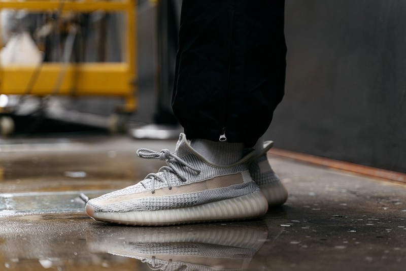 "adidas YEEZY BOOST 350 V2 ""Lundmark"" Non-Reflective On-Feet"