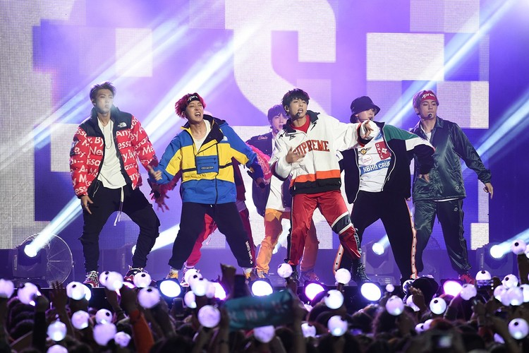 K-Pop | HYPEBEAST