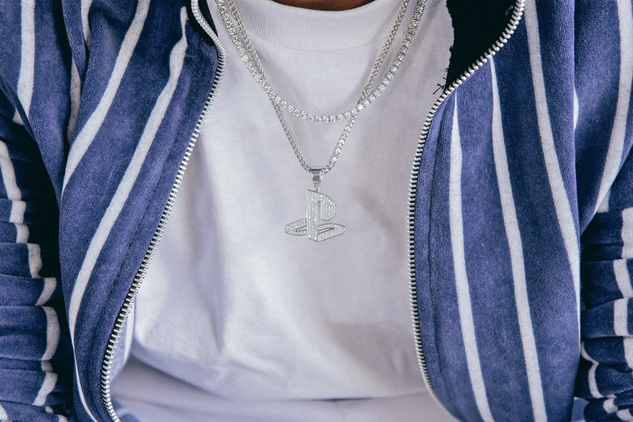 playstation king ice jewelry collaboration diamond encrusted controller logo hip hop chains pendants ice