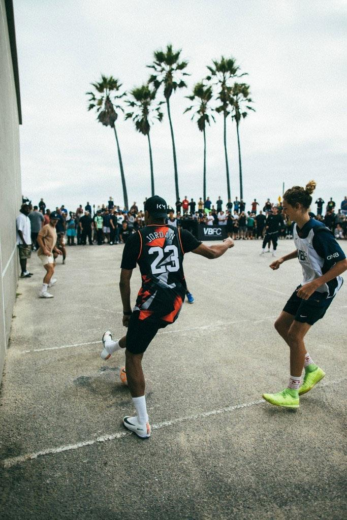 lowest price f96b4 b1ff7 Kylian Mbappé Sports PSG x Jordan Collab in Venice Beach ...
