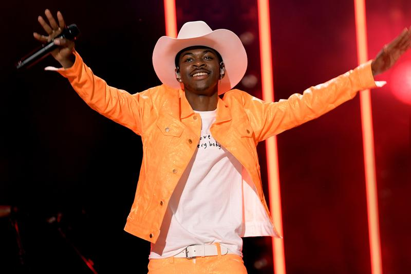 Lil Nas X Old Town Road Spends 10th Week on Billboard Hot 100 billy ray cyrus drake in my feelings