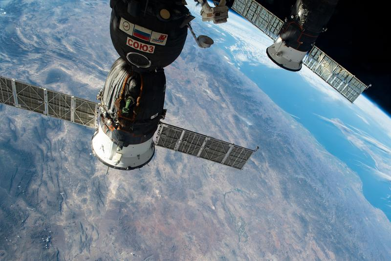 astronauts in the international space station - photo #39