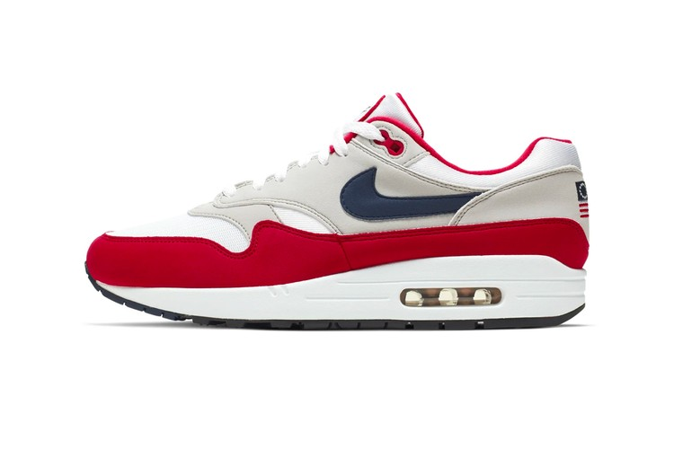 hot sale online 80a22 d07cc Nike Honors Betsy Ross Flag With the Air Max 1
