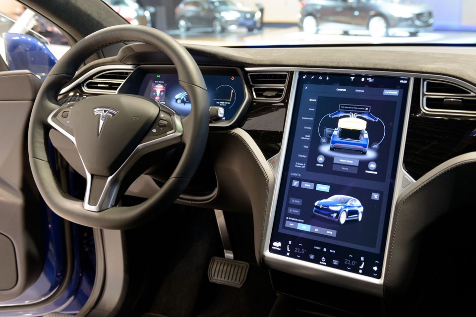 Tesla's In-Car Display Sketchpad Is Getting an Update
