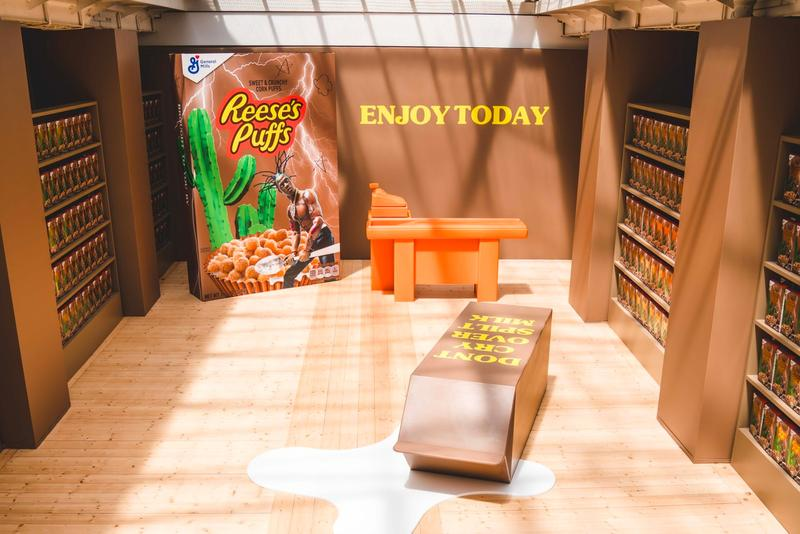 Travis Scott Reese's Puffs Cereal Paris Pop-Up Look Inside Special Boxes Spoon Bowl T shirt Hoodie General
